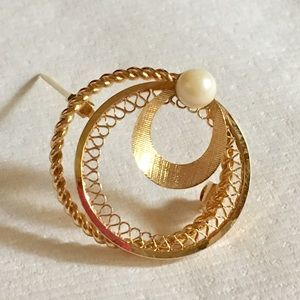 Vintage🍁Gold plated brooch w/Genuine Pearl